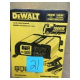 DEWALT 1000-Watt Power Inverter in good condition