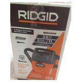 RIDGID 3 Gal. 3.5-Peak HP Portable Pro Wet/Dry Vacuum in good conditions