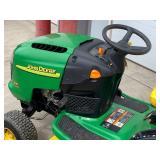 John Deere L110-Automatic Lawn Tractor