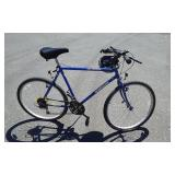 Mongoose Hill Topper 24 Inch Bike 18 Speed. Includes Helmet