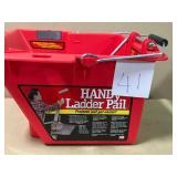 HANDy Paint Pail 1-Gal. Ladder Bucket n good condition