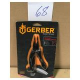 Gerber 8-in-1 Crucial Multi-Tool in Black in good condition