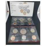 The United States Mint 1992 Uncirculated Coin Set with mint marks D & P