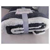 New Posh Home Hooded Jersey Therpa Throw