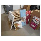 Assorted closetmaid lot of drawers / shelves