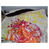Full Size Comformter w/ Pillows
