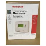 Honeywell 5-1-1 Day Programmable Thermostat with Backlight  in good condition