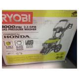 RYOBI  3000 PSI 2.3-GPM Honda Gas Pressure Washer in good conditions