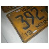 187 license plates Minnesota 1952 matched pair.