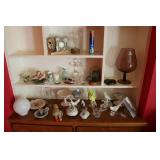 Lot of glassware and decorative ite...