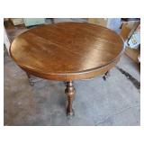 Very nice antique Round Oak Table