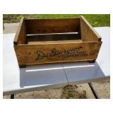 Vintage Di Liorq fruit corp crate & Minneapolis Tin