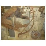 Pallet & Garbage can Vintage metal