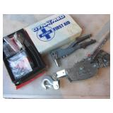 Pop Riveters, Comalong, First Aid Kit