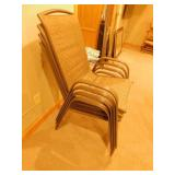 4 Chairs / Table with 2 Chairs