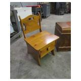 "Cedar Chest 47""x18""x22"" Chair w/Drawer 20""x20""x33"""