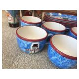 15 Piece Matching Ceramic Christmas Themed Dishware Set