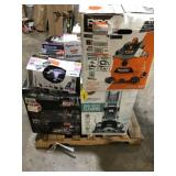 Pallet with assorted Vacuums- Dyson, Shark, Ridgid, Hoover Customer returns