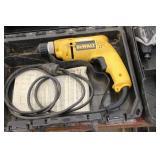 """DeWalt Drill VSR 3/8"""" D21008 with Case"""