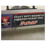 HEAVY-DUTY MAGNETIC SWEEPER PICKUP TOOL
