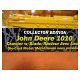 John Deer 1010 1/16th crawler w/Blade (collector edition)