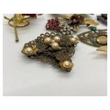 7 Vintage & Antique Brooches/ Pins