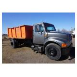 1994 International  466 Roll Off Truck International