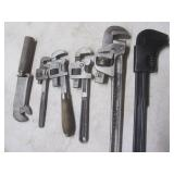 Vintage wrenches with Ford, Pexto, ...