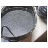 Large enamel roaster with inner an,...