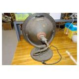 Antique Universal E9937 Electric Heater