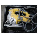 DEWALT 6.5-Amp Keyless T Shank Variable Speed Corded Jigsaw with Bag DW331K - Used.