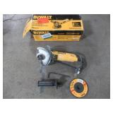 Dewalt 7 Amp 4-1/2 in. Small Angle Grinder with 1-Touch Guard, DWE4011 - Used.