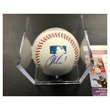 Joe Mauer Autographed Baseball ( JSA Authentication )
