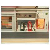 """LIGHTED DISPLAY CASE (FOR 1/24 SCALE) """"CHARLIE"""