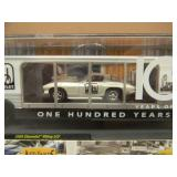 M2 MACHINES 100 YEARS OF CHEVROLET 1959 VIKING LCF & 1966 CORVETTE - TRAILER - VERY COOL PIECE! - SEE PICTURES!