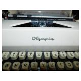 Vintage Olympia De Luxe Portable Italics Typewriter
