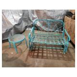 Swinging Style Patio Chair and Table