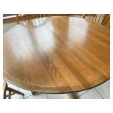 Wood Round Kitchen Table w/ 4 Chairs & 1 Leaf
