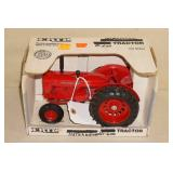 Ertl International D600 Die Cast Tractor - 1/16 Scale