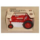 Ertl Farmall 350 Die Cast Tractor - 1/16 Scale