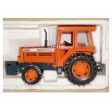 Dinpot Kubota M-Series Die Cast Tractor - 1/20 Scale