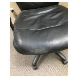 Executive Office Ergonomic Computer Desktop Armchair With Height Adjustable Seat & Arms Great Working Condition - Minor Wear!
