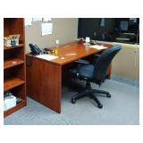 MSRP $1200 High Quality HON Executive Office Mahogany Finish Single Right Pedestal Oversized Desk Locking With Key - Excellent Condition! Contents Not Included!
