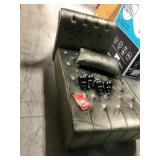 Rafaela Tufted New Velvet Chaise Lounge not used see pictures