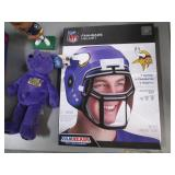 Minnesota Vikings Fan Lot with Daun...