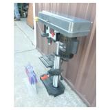 Porter Cable bench top drill press. New condition. Only one handle. Tested & works. As shown.