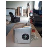 Insignia™ - 26-Lb. Portable Ice Maker - Silver