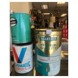 Group of Assorted Vintage Oil Cans