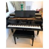 Beautiful Black Lacquered Mason & Hamlin Baby Grand Piano. Very well Maintained and in Beautiful Con