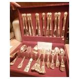 Gold silverware set